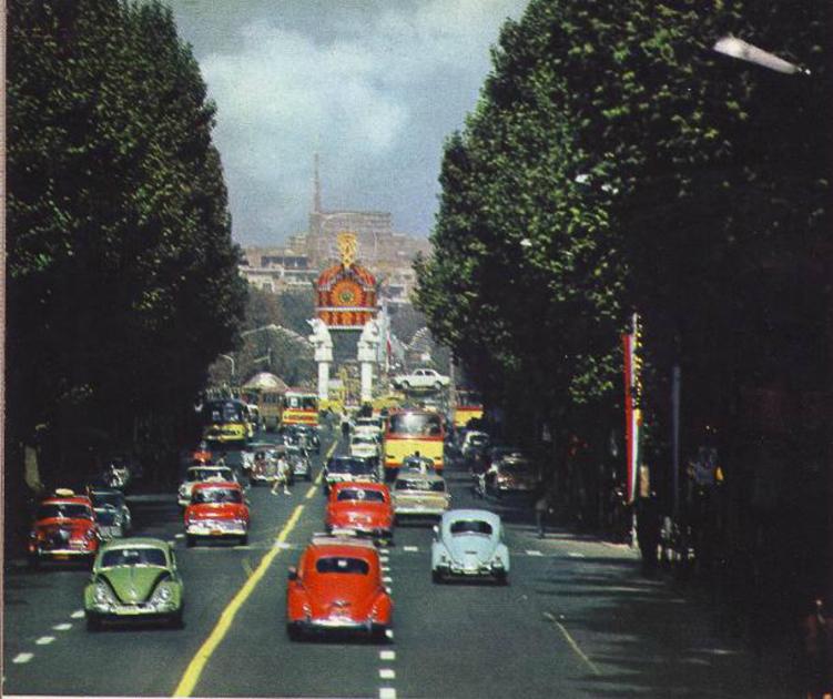 preview_353757a670da1e927d4462da25a1538eУлица Вали-Аср в Тегеране, 1960-е годы.