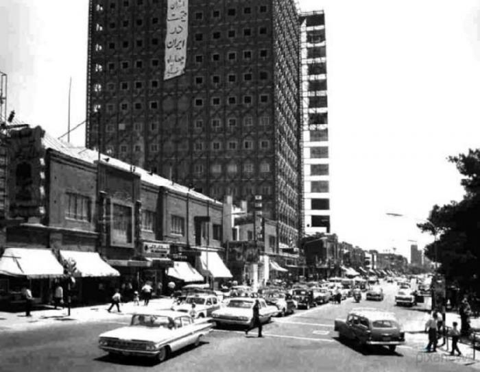 Tegeran_11Фото улицы Стамбул в 1965 году.