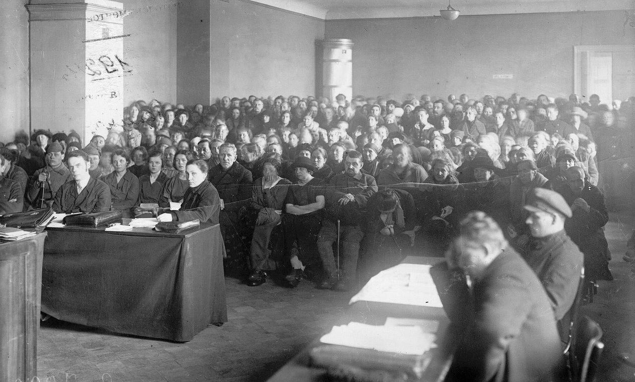 0_b2b77_b7e61a56_XXXLОбщий вид зала суда на судебном процессе над группой церковников Александро-Невской лавры (Двадцатка).