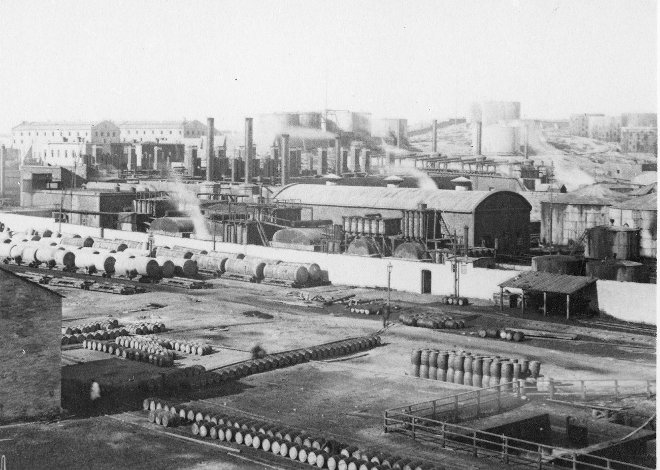 0_ec965_8099c1d8_origПанорама завода Нобеля в Баку