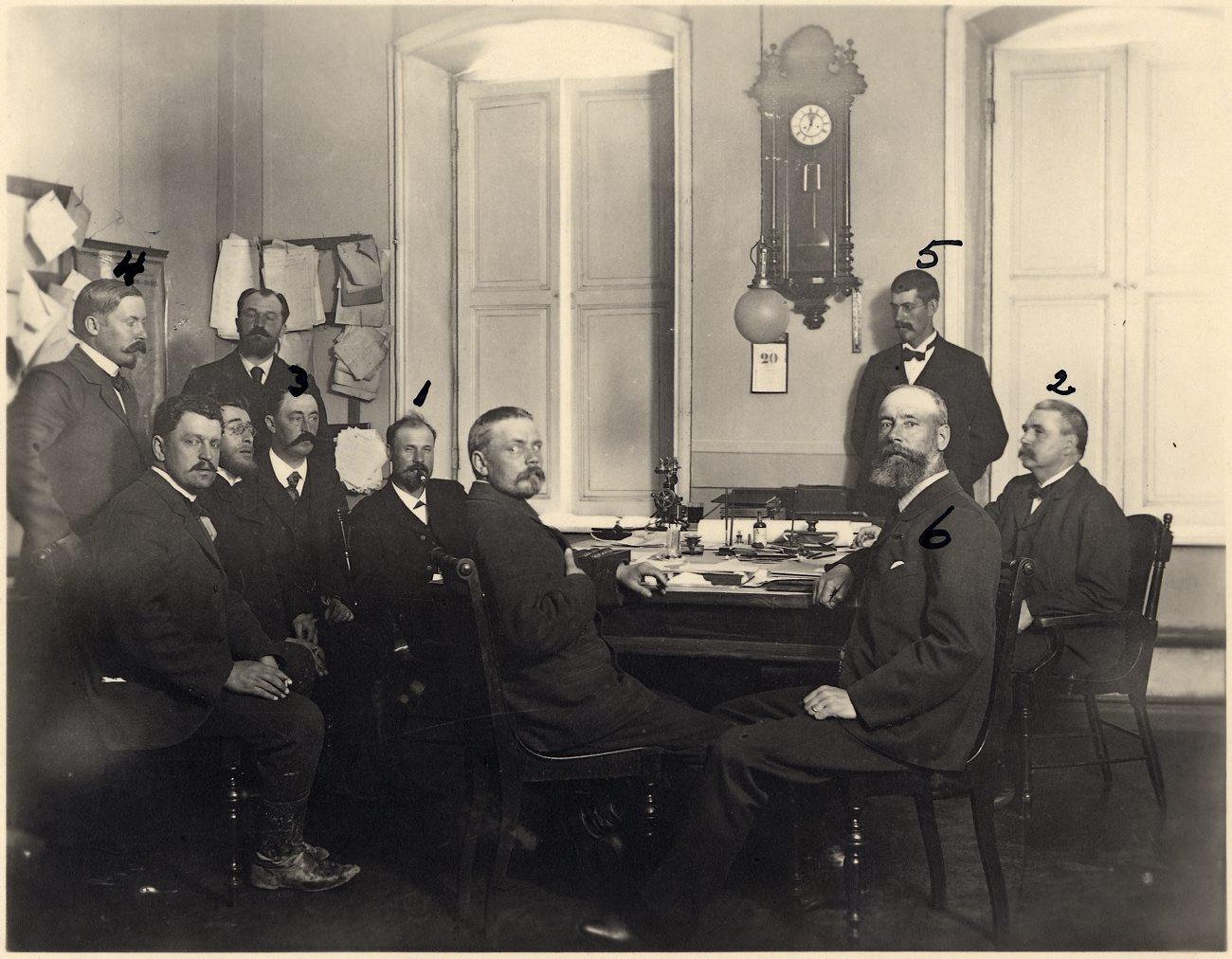 0_ec9a6_103d61bd_origРоберт и Людвиг Нобели со своими сотрудниками в Баку