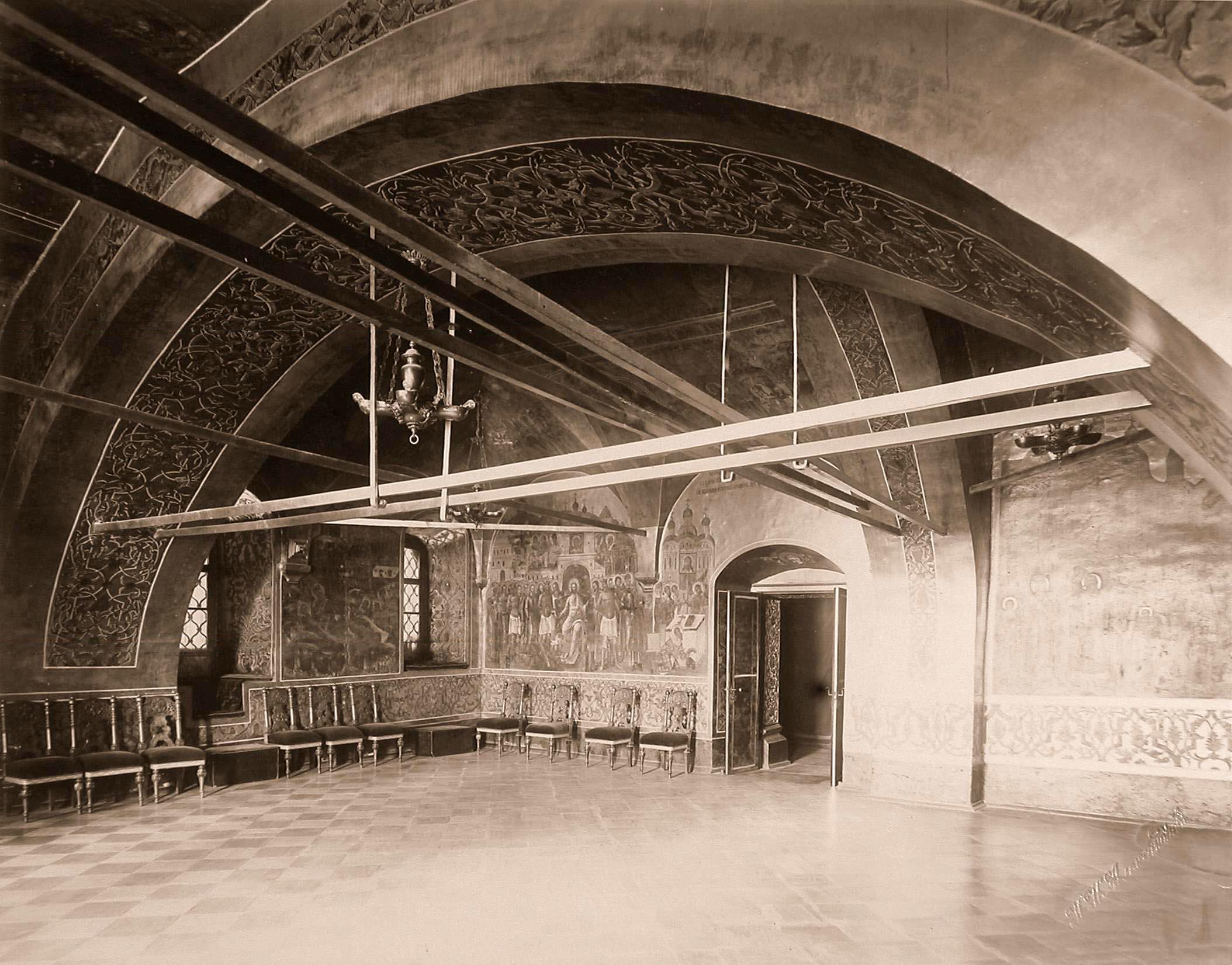 0_a84d0_bb240023_origИнтерьер Золотой царицыной палаты (постройка XVI в., росписи 1580-х гг.) в Кремле