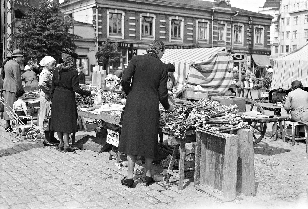 0_ef290_a3941ea_XXXL1941. 20 июня. Овощной рынок