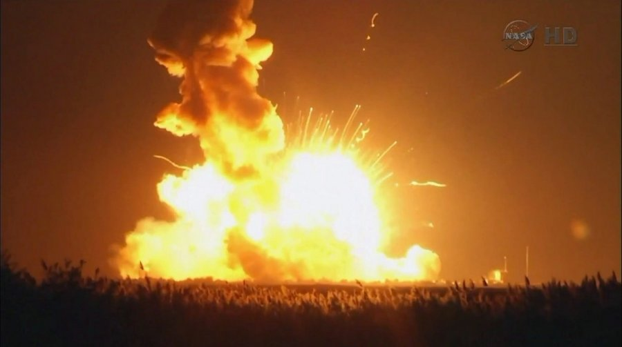 pakilimo-metu-sprogo-nasa-raketa-66245948