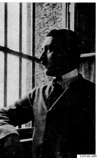 6111_i_016Hitler at the Landsberg prison window
