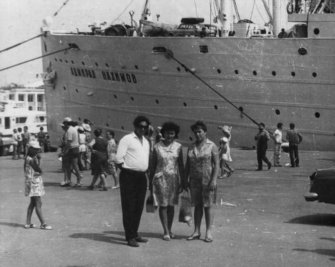 ссылку фото затонувшего адмирала нахимова одежду пэчворк можно
