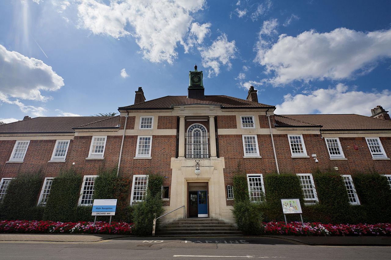 1280px-Bethlem_Royal_Hospital_Main_building_view_1