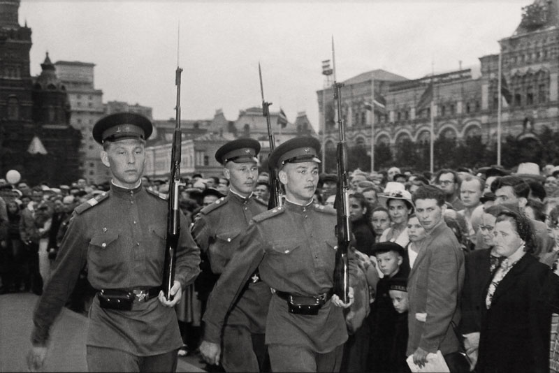 moskva_1957_swiss_reporter_leonard_gianadda_30vgf
