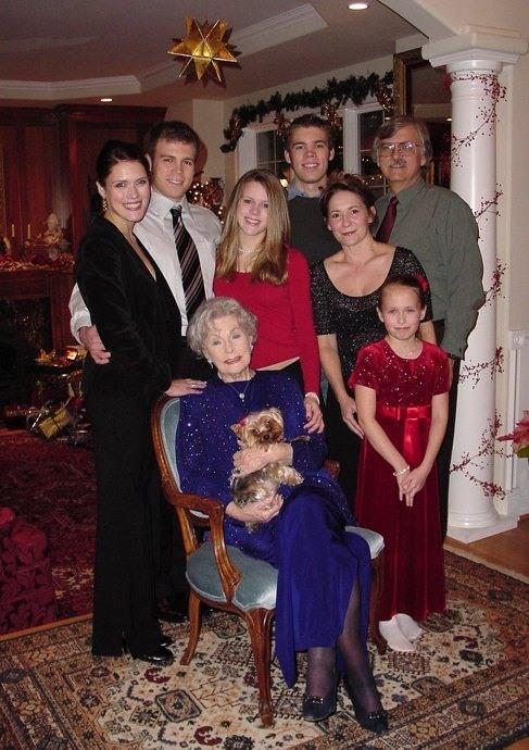 kyra-familyлен