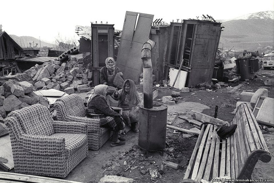 Землетрясение в Армении тысяч, помощь, траура, помощи, человек, ходили, гуманитарной, Спитак, результате, около, стали, погибло, продавали, землетрясения, помню, выпить, республики, землетрясение, Армении, отстроить