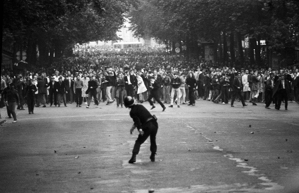 Великая французская революция 2.0 требования, очень, Ровно, подробно, студенческому, протесту, присоединились, рабочие, появились, политические, захвачены, административные, здания, корпус, Сорбонны, Можно, разному, относится, далёким, событиям