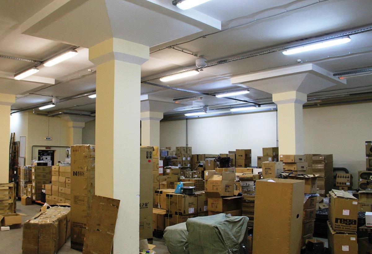 Аренда склада в Москве на Рябиновой улице 250 м2 на первом этаже