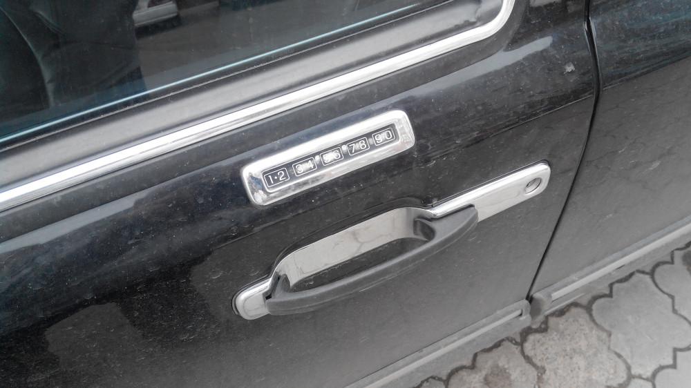 Lincoln Town Car '1990–97 4.jpg