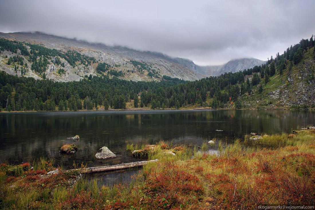Каракольские озёра вид на Багаташ Озёрный Белок Алтай фото