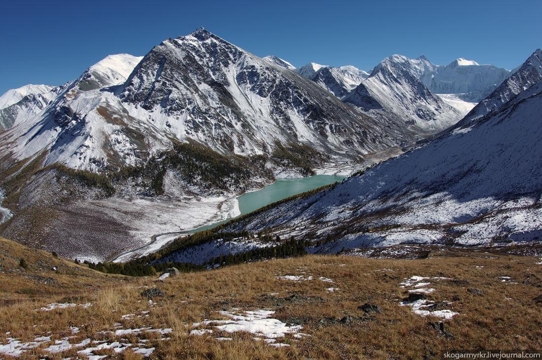 Аккемское озеро Белуха Кара-Тюрек сентябрь снег фото