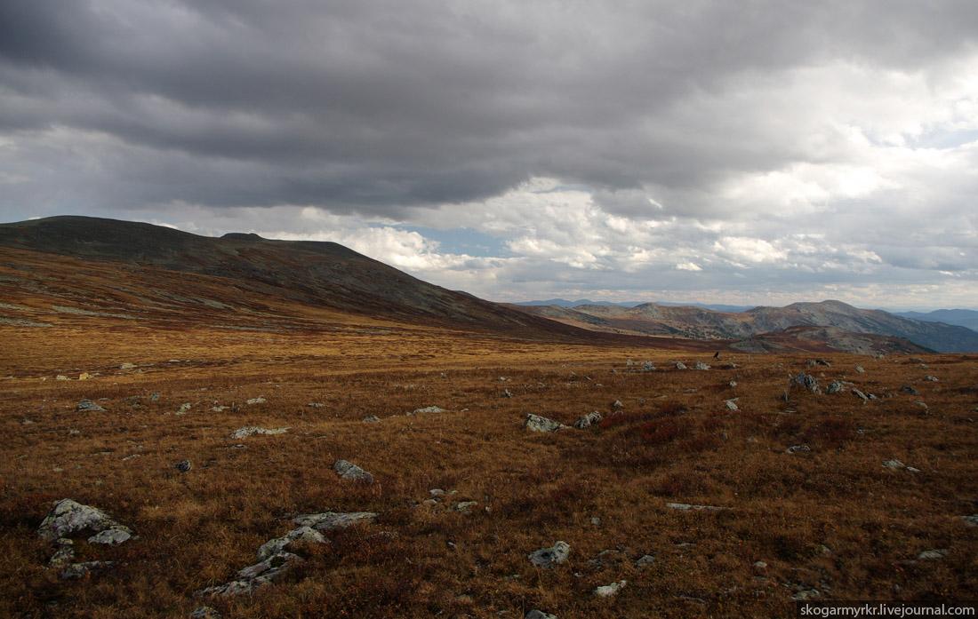 вершина перевала Багаташ над Караколами, Горный Алтай фото