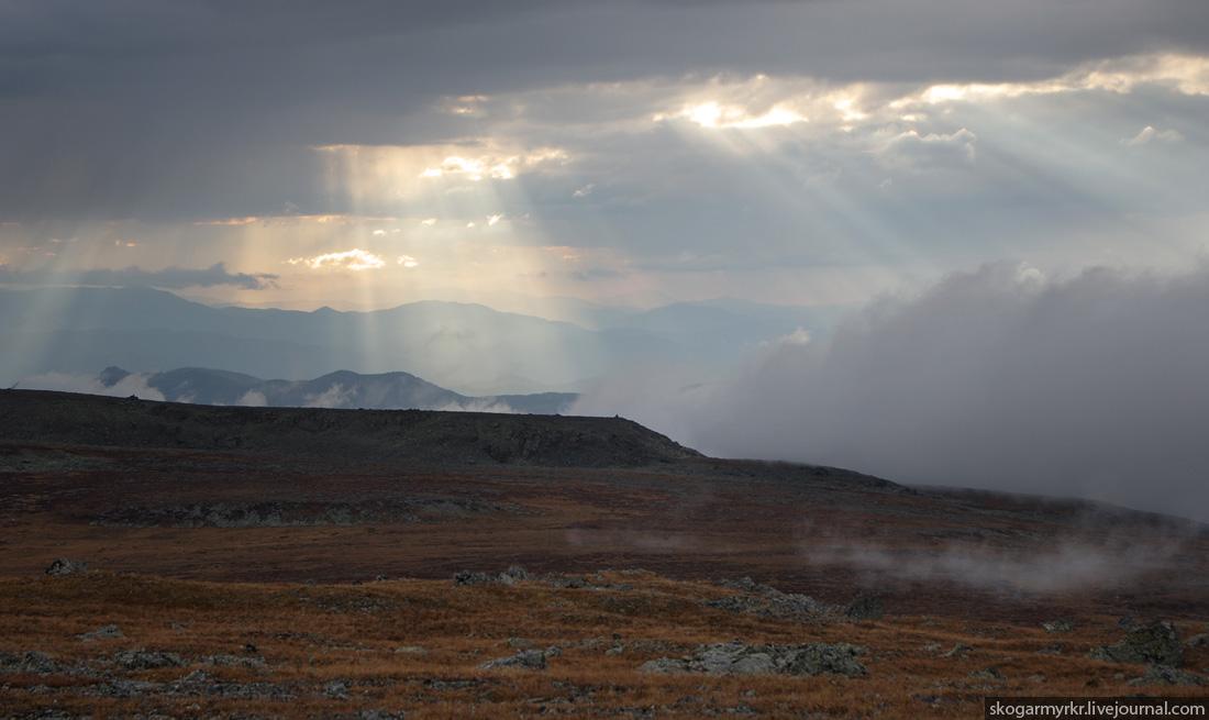 непогода на перевале Багаташ, осенний Горный Алтай фото