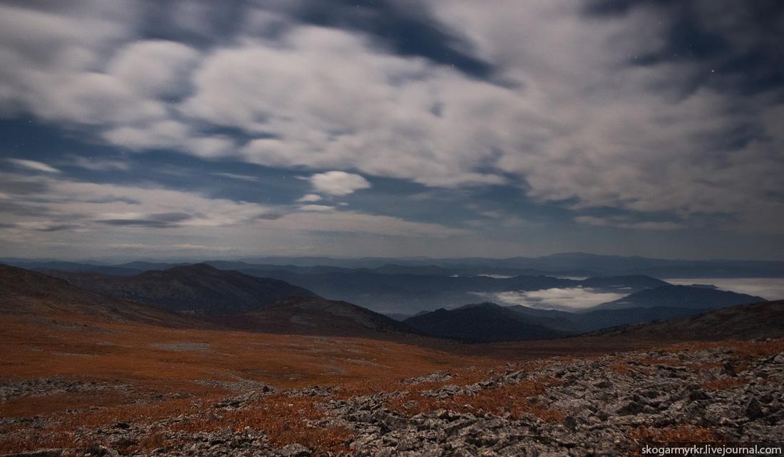 ночь в горах на перевале Багаташ, ночёвка, Горный Алтай, луна, ночное фото