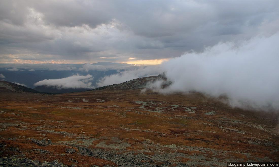 плато перевала Багаташ в сторону долины реки Куба, осенний Алтай фото