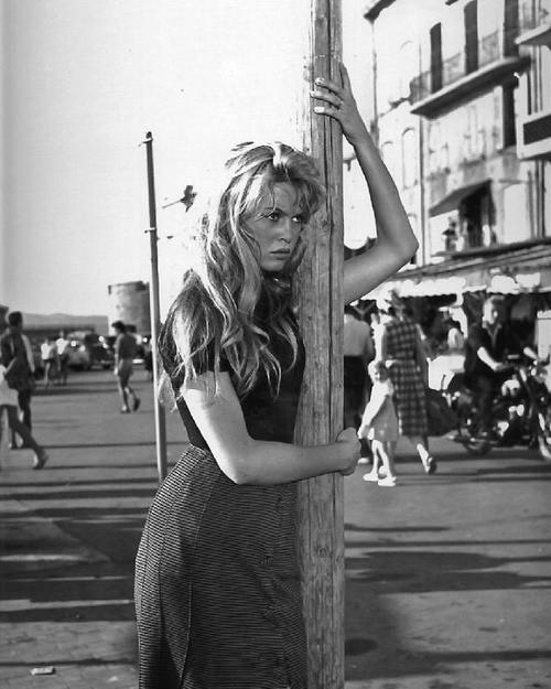 ДРУГОЕ КИНО - И бог создал женщину (Франция, Италия, 1956 ...