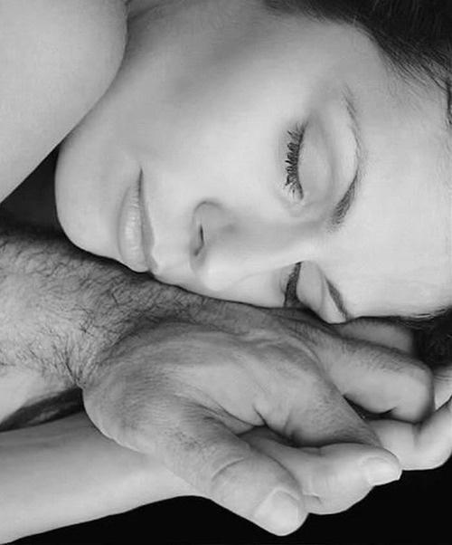 Поцелуй в щёчку во сне