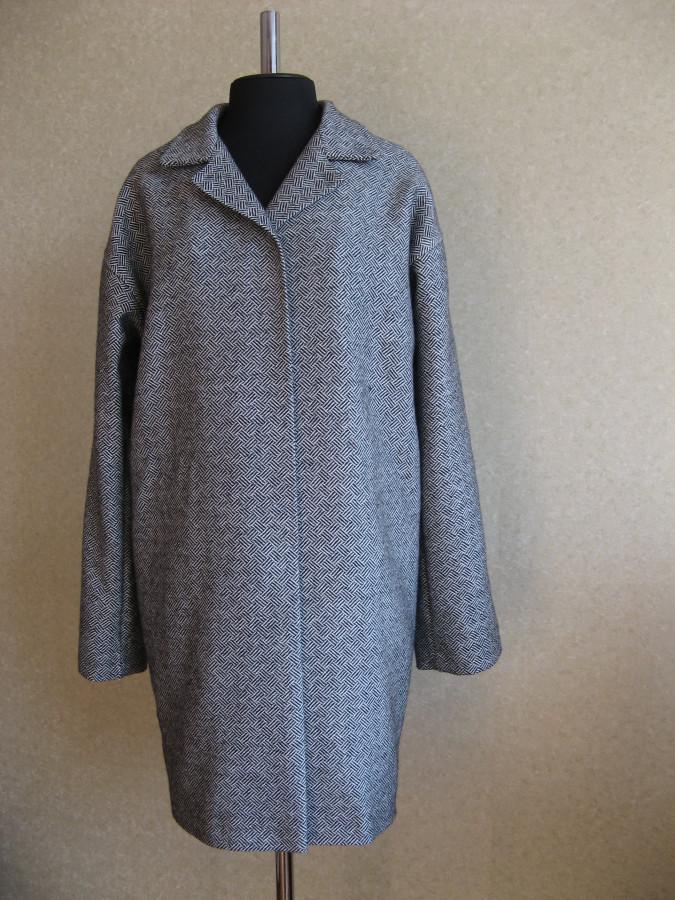 Пальто со спущенным рукавом фото