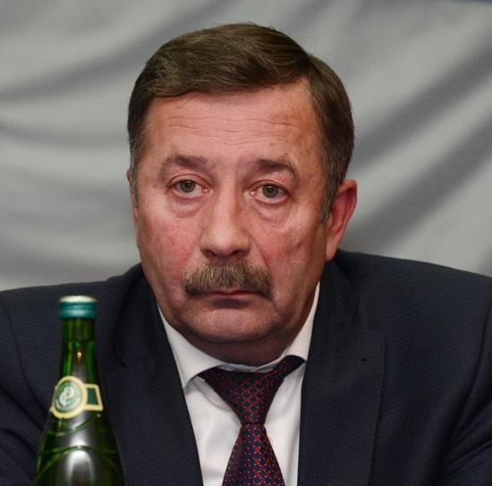 Начальник УФСБ Родионов Булавину.jpg