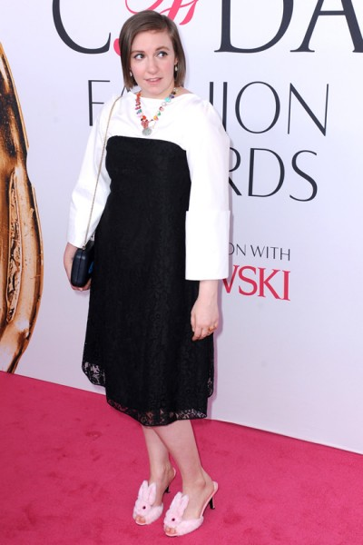 Lena-Dunham-CFDA-Fashion-Awards-2016-Red-Carpet-Fashion-Creatures-Of-The-Wind-Tom-Lorenzo-Site-7