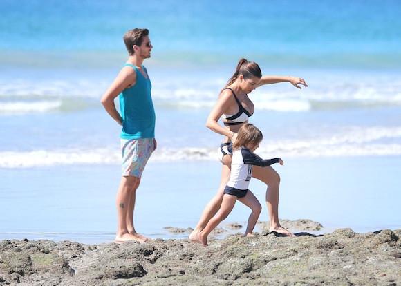 Kourtney-Kardashian-Vacation-with-Scott-Disick-Mason-Disick-4