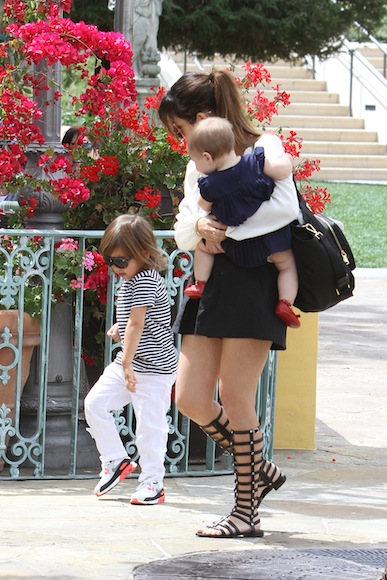 Kourtney-Kardashian-Sunday-Church-Day-with-Family-37