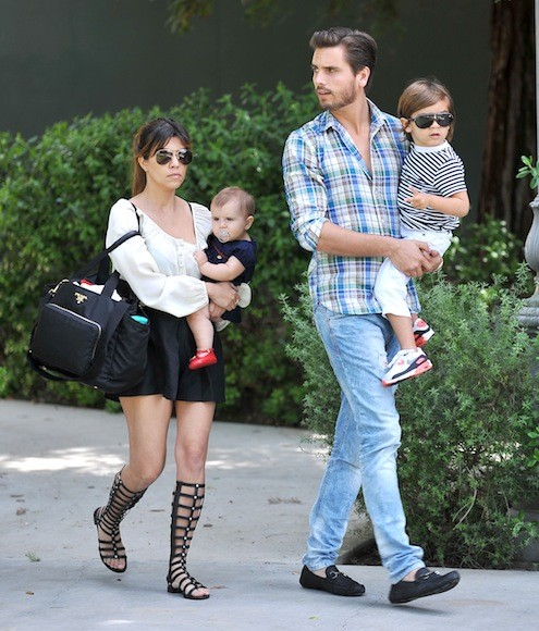 Kourtney-Kardashian-Sunday-Church-Day-with-Family-11