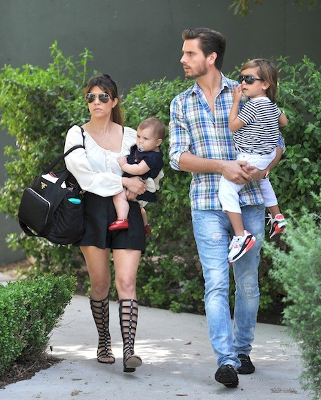 Kourtney-Kardashian-Sunday-Church-Day-with-Family-12