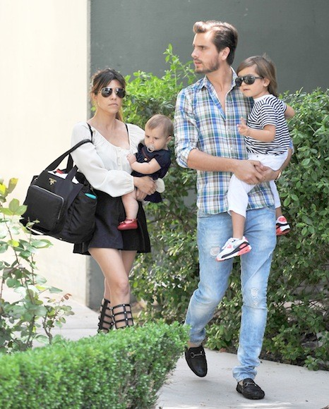 Kourtney-Kardashian-Sunday-Church-Day-with-Family-16