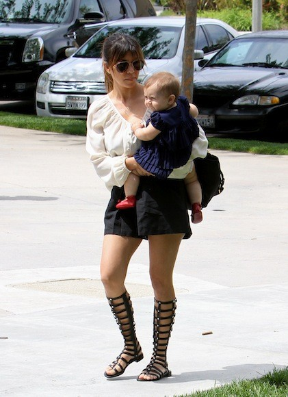 Kourtney-Kardashian-Sunday-Church-Day-with-Family-30