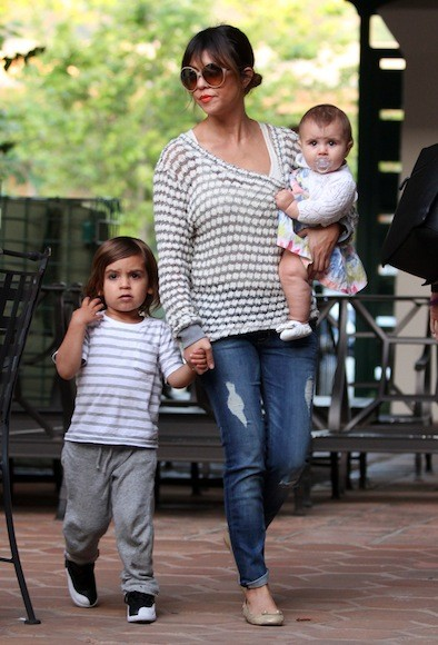 Kourtney-Kardashian-Playdate-Park-in-Malibu-44