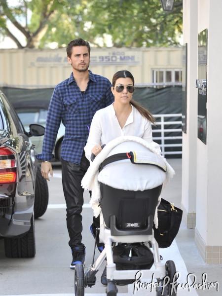 Kourtney-Kardashian-Shopping-Rodeo-Drive-Scott-Disick-Penelope-007-675x900