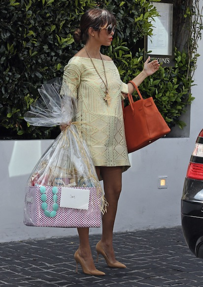 Kourtney-Kardashian-and-Kim-Kardashian-attend-Baby-Shower-2