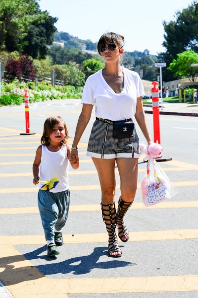 Kourtney-Kardashian-At-Carnival-With-Mason-Disick-7