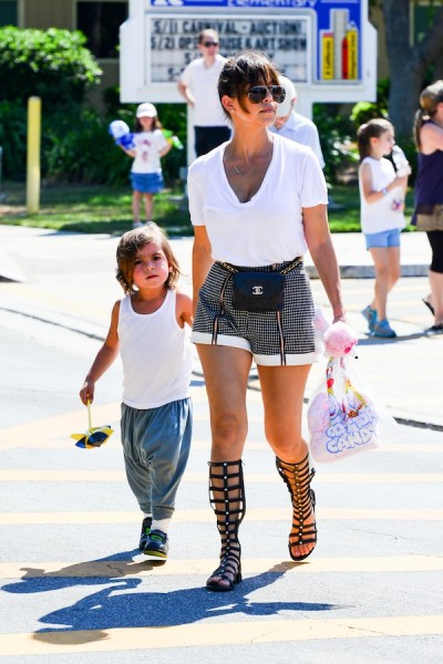 Kourtney-Kardashian-At-Carnival-With-Mason-Disick-11