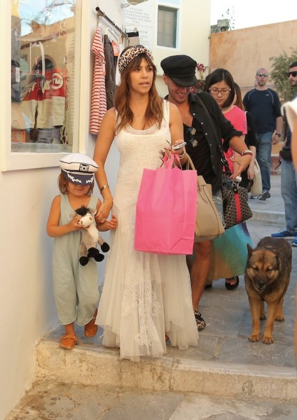 Kourtney-Kardashian-Johnny-Was-Dress-In-Santorini-28