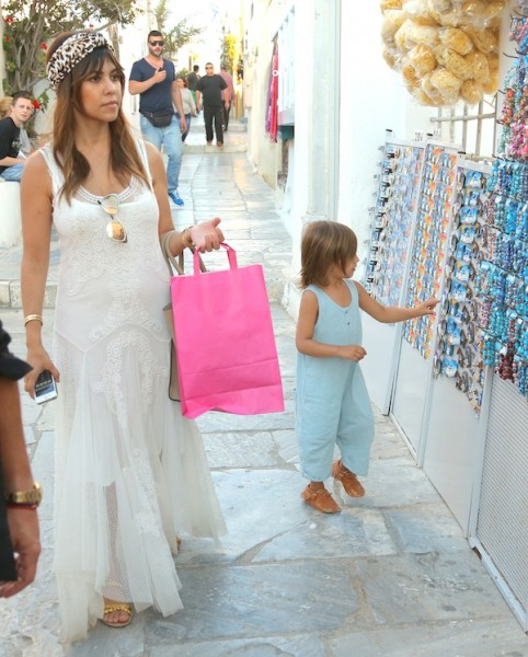 Kourtney-Kardashian-Johnny-Was-Dress-In-Santorini-22
