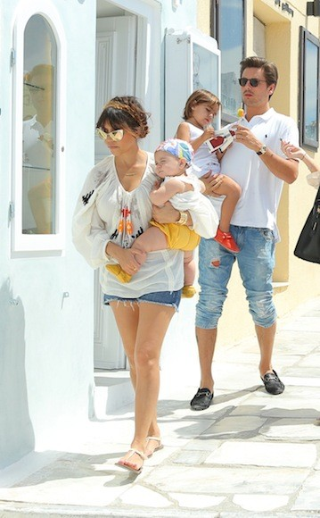 Kourtney-Kardashian-White-Top-Greece-12