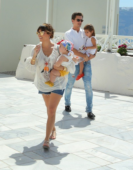 Kourtney-Kardashian-White-Top-Greece-6