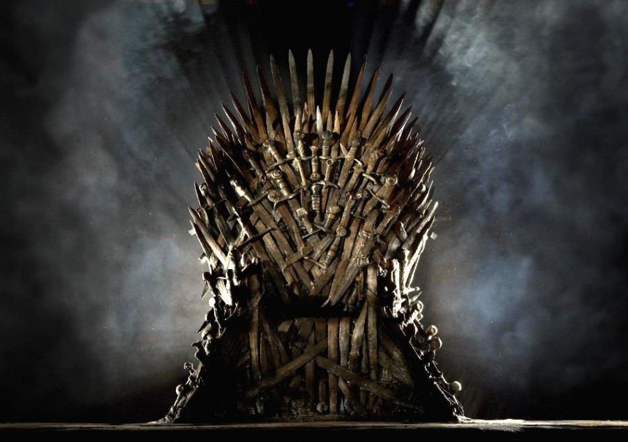 tronul-de-fier-iron-throne-urzeala-tronurilor-game-of-thrones-replica-1.950x670-adaptive