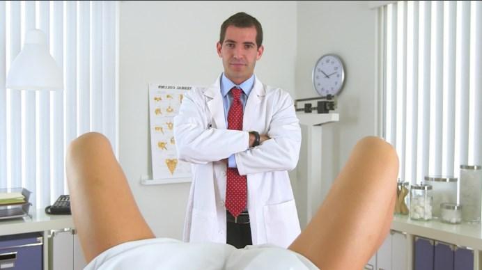 vizit-k-ginekologu-devushki-video