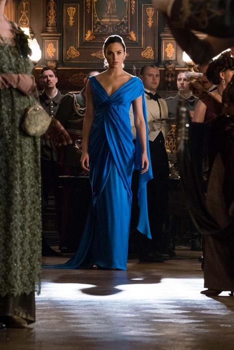 Gal-Gadot-Wonder-Woman-Movie-Blue-Dress