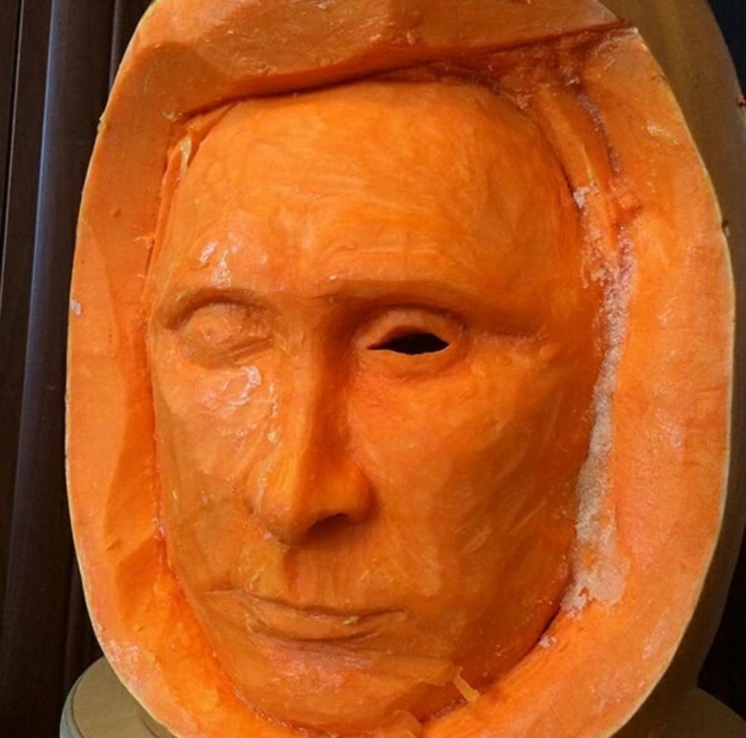 Одноглазый Путин или Всевидящее око)))