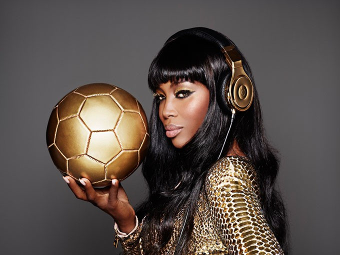 naomi-cambell-beats-dre-world-cup-gold3