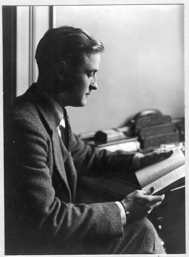 первый роман принес Фрэнсису Скотту долгожданную известность.