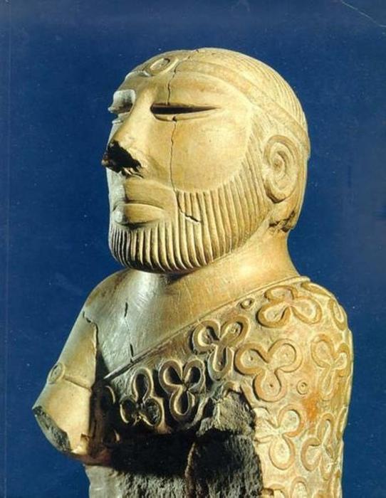 Статуэтка, ставшая символом Хараппской цивилизации.
